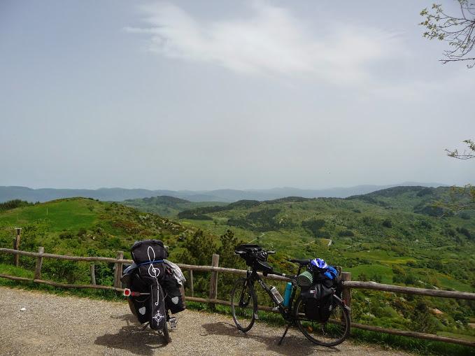 Eldoradonews vous présente Maxime et Tania, en vélo depuis deux ans pour un tour du monde